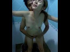 ปล่อยคลิปเด็ด เย็ดพี่สาวเมียในห้องน้ำแอบแซ่บกระแทกมันควยจริงๆ